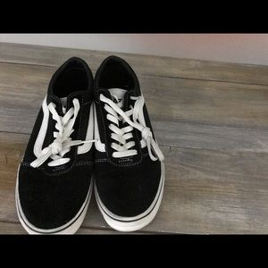 Vans Shoes - Vans Old Skool Athletic Shoes- men's 7